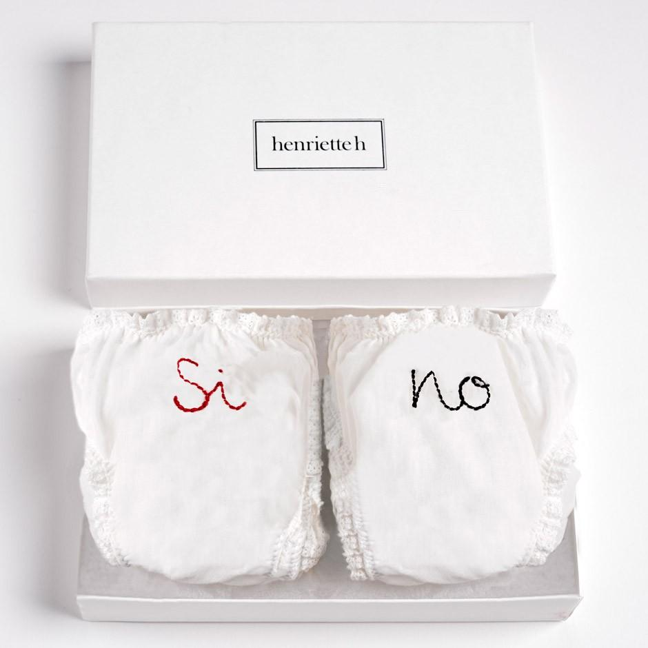 "Set of Panties ""Sì, No"""