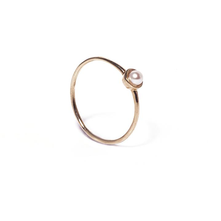 Yellow gold thin ring band with pearl